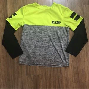 Athletic works boys top size 10-12 y